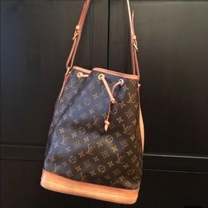AUTHENTIC Loui Vuitton Monogram Noe